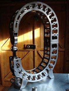 Build your own wheeling machine, or English wheel. Sheet Metal Tools, Sheet Metal Work, Metal Working Machines, Metal Working Tools, Sheet Metal Fabrication, Welding And Fabrication, Metal Projects, Welding Projects, English Wheel