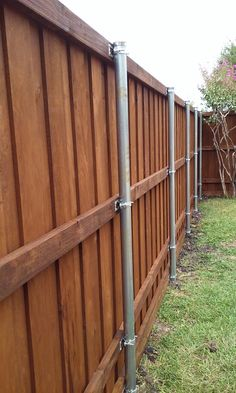 high board on board - Modern Design Diy Privacy Fence, Privacy Fence Designs, Diy Fence, Fence Landscaping, Backyard Fences, Fence Ideas, Wood Fence Design, Door Gate Design, Metal Fence Posts
