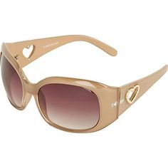 I'm in dire need of a new pair of sunglasses for summer, and these pretty neutral ones would go nicely with all those neons I'm lusting after...