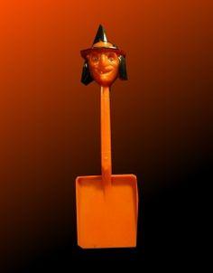Vintage Halloween Toy ~ Vintage Witch Shovel