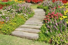 Make Your Yard a Work of Art | Stretcher.com - Garden designers share tips for easy, affordable outdoor artistry