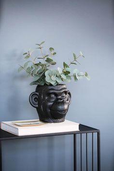 #interiør #vår #2020 #inspirasjon   Kremmerhuset Planter Pots, Interior, Indoor, Interiors