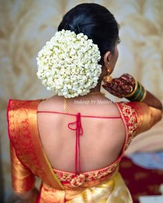 Indian Bun Hairstyles, South Indian Wedding Hairstyles, Bridal Hairstyle Indian Wedding, Bridal Hair Buns, Bridal Hairdo, Plaits Hairstyles, Bun Hairstyles For Long Hair, Indian Bridal Makeup, Long Gown Design