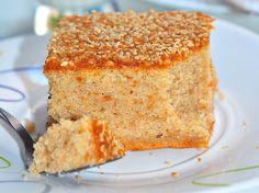 Susamlı Kek Tarifi Tepside Kek Tahinli susamlı tepsi keki tarifi Bu tahinli kektarifini bir aralar bloglarda çok sık görüyordum ama bir türlü fırsat bulup deneyememiştim. Geç kalmışım bu lezzet için.. Yanında bir bardak soğuk sütle müthiş yakışan,çok lezzetli bir kek.. Yanlız yumuşacık bir kek beklemeyin..:)))üst tabakasına (ters çevirdiğimiz için altkısmına) ince bir kıtırlık vermiş vebendeRead More