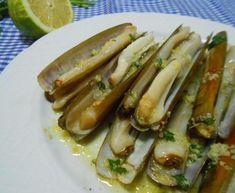 Cómo cocinar navajas - Cocinar navajas a la plancha Menu, Barbacoa, Fish And Seafood, Finger Foods, Hot Dogs, Zucchini, Food Porn, Pizza, Vegetables
