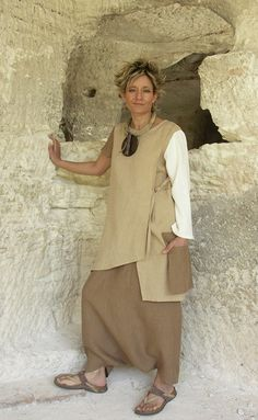 Asymetric tunic in beige and brown linen