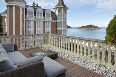 Apartment in Donostia, Spain. The holiday apartment Miraconcha Terrace is a unique accommodation thanks to its location, the views it offers, the smart decoration and above all the astonishing 112 sqm terrace facing La Concha beach, a real guarantee for a perfect holiday. Mira...