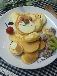 #kyaraben #kawaii Cute Food, Good Food, Yummy Food, Food Art Bento, Pancake Designs, Pancake Art, Kawaii Dessert, Childrens Meals, Brunch Dishes