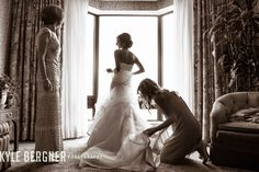 Kyle Bergner Photography: Bride getting ready for the wedding at the Royal Sonesta Baltimore