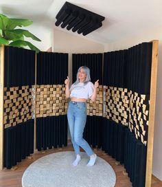 Home Studio Setup, Music Studio Room, Studio Desk, Sound Studio, Studio Furniture, Room Acoustics, Acoustic Design, Chill Room, Recording Studio Design