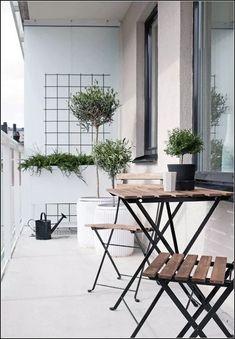 Balkon Extraordinary Ideas for Apartment Small Balcony Design Ideas – Balkon ideen Narrow Balcony, Modern Balcony, Small Balcony Design, Small Balcony Decor, Tiny Balcony, Outdoor Balcony, Small Patio, Balcony Ideas, Outdoor Seating