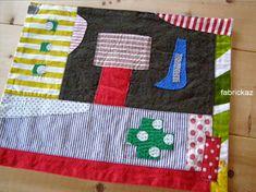 .気ままに布を選んで~。気ままにミシンでダダダーッ。気ままにグシグシ- - - - ハンドステッチ。気ままが満載の『キママ マット』。綿麻とか、デニム素材とか、少し厚手のコットン&ビンテージを使って作りました。出来上がったら早速