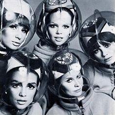 Space helmet design by Emilio Pucci