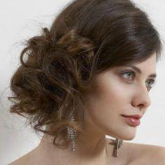 Izgledajte elegantno pomoću jednostavne frizure.