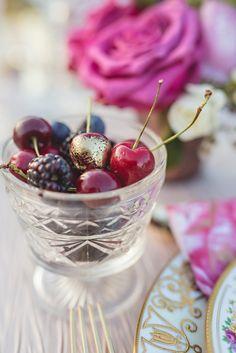 Edible Gold Wedding Decor | Bridal Musings Wedding Blog