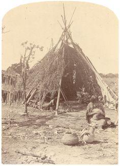 Navajo Indians Shelter   navajo hogan this a navajo shelter ...