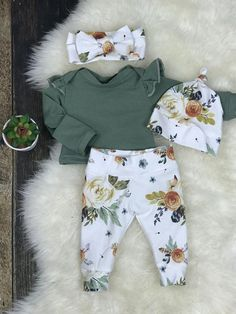 baby girl clothes Newborn Girl Coming Home Outfit, Newborn Girl Photography Outfit in Earth Tone Watercolor Floral, Newborn Girl, Premie Girl Clothing Neugeborene Meisje Coming Home Outfit Baby Meisje Take Home clothes Newborn Girl Outfits, Baby Girl Newborn, Kids Outfits, Newborn Clothes For Girls, Newborn Clothing, Baby Girl Bows, Baby Girl Clothing, Newborn Baby Gifts, Girls Coming Home Outfit