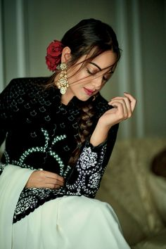 Bollywood Nerd Indian Actress HAPPY ISLAMIC NEW YEAR PHOTO GALLERY  | I.PINIMG.COM  #EDUCRATSWEB 2020-08-20 i.pinimg.com https://i.pinimg.com/236x/af/ae/67/afae675faf59b9c2ea7cc473e87d6c9b.jpg
