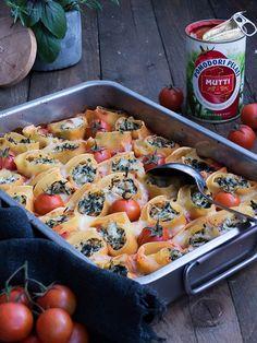Gefüllte Pasta Schnecken mit Hähnchen-Blattspinat & Ricotta in würziger Tomaten Sauce   Meine Küchenschlacht