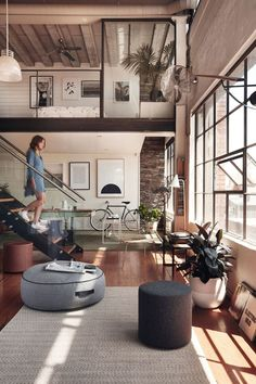 Inspired Image of Loft Home Design. A great deal of lofts have brick walls and therefore it could be somewhat difficult to hang any form of picture or mirror. A loft is not going to have. Loft Design, Deco Design, Design Case, Modern Design, Modern Decor, Modern Rustic, Design Trends, Contemporary Design, Rustic Wood