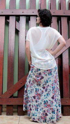 blog v@ LOOKS   por leila diniz: LOOK: saia longa hering florida + blusa nova transparente nas costas e acessórios que ganhei no niver