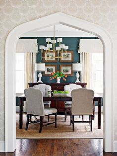 beautiful! This elegant dining room is filled with simple, yet striking, choices.