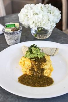 The ultimate guide to the best breakfast and brunch in Austin! Featuring 20 different restaurants that serve up the absolute best early bites in town. Breakfast Tacos, Best Breakfast, Austin Texas Restaurants, Austin Brunch, Franklin Bbq, Smoked Jalapeno, Austin Food, Best Sushi, Pizza Restaurant