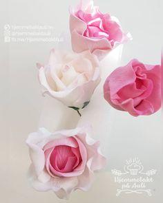 Putting some pretty pink into our days . . . #🌹 #sugarpaste #kakedesign #sugarpasteflowers #sugarpastemodelling #sugarpastemodels #Sukkerblomst #pastrychef #cake #kage #sukkerblomster #sukkerblomst #flowers #blomster #pastry #pastryinspiration #konditor #sukkerblomstenmin #kakepynt #kakepynten #kakepynter #hostfloks #levlandlig #hage #hagenmin #hageliv #hageglede #hagegleder #farger #fargergj Rose, Flowers, Plants, Pink, Florals, Roses, Planters, Flower, Blossoms