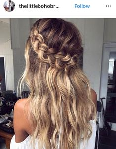 #PromHairstylesMessy