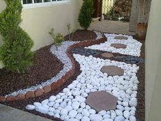 5 Radiant Simple Ideas: Small Garden Landscaping Seeds flower garden landscaping how to grow.Cottage Garden Landscaping Grass garden landscaping diy how to build. Unique Garden Decor, Unique Gardens, Small Gardens, Beautiful Gardens, Landscaping With Rocks, Front Yard Landscaping, Landscaping Design, Low Maintenance Garden, Garden Landscape Design