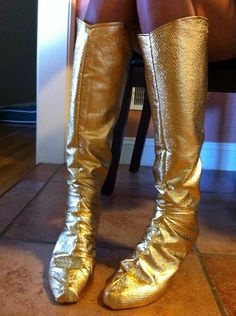 Cosplay Tutorial: Boot Covers. Looks like something you'd be interested in.