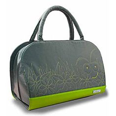 @Overstock - This Cricut Carry Tote is grey with lime green embroidery A unique carry-all for the Cricut Personal Cutter Machine This bag has plenty of compartments and space for all of your cartridges and overlayshttp://www.overstock.com/Crafts-Sewing/Cricut-Carry-Tote/2917572/product.html?CID=214117 $32.99