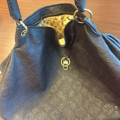 Louis V brown large purse 29$$ Only 29$$ beautiful purse Bags