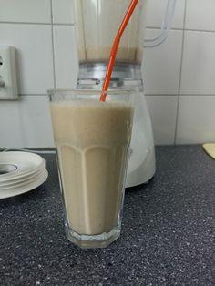 1 banaan  1 appel (elstar)  1 mandarijn 2 eetlepels Griekse yoghurt  2 eetlepels havermout  100 ml water