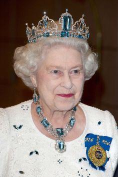 Queen Elizabeth II's jewelry in 12 extraordinary pictures