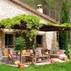 If you have the privilege of having a courtyard, garden or patio at home, you could think about building a nice pergola. Outdoor Rooms, Outdoor Gardens, Outdoor Living, Outdoor Decor, Outdoor Seating, Terrace Design, Home Goods Decor, Outside Living, Stone Houses
