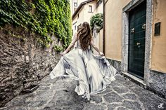 From Canada to Como Lake  Photo Daniela Tanzi #abitiDaSposa##Bride #WeddingDress