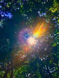Sky Photos, Cool Photos, Love And Light, Peace And Love, Lens Flare, Retro Art, Beautiful Lights, Light Photography, Sacred Geometry