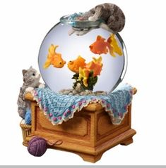 The San Francisco Music Box Company Kitty with Goldfish Snow Globe