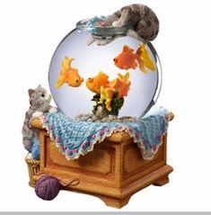 The San Francisco Music Box Company Kitty with Goldfish Snow Globe