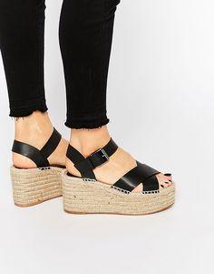 Bild 1 vonPull&Bear Jute Wedge Sandals