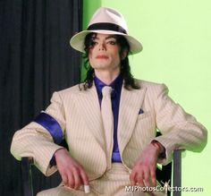 TIISmoothCriminalFeatureGroupNN#1.jpg - Smooth Criminal Feature - Gallery - MJ Photos Collectors