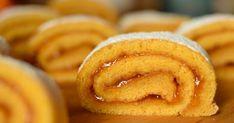 Piskótatekercs sárgabaracklekvárral recept képpel. Hozzávalók és az elkészítés részletes leírása. A Piskótatekercs sárgabaracklekvárral elkészítési ideje: 35 perc Onion Rings, Tapas, Sandwiches, Muffin, Sweets, Cookies, Ethnic Recipes, Food, Candy