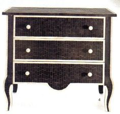 Love this mosaic chest I found perusing Elle Magazine.    www.ericabelliocreations.blogspot.com