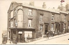 corner of Gleadless Road and Prospect Rd ends after the steep terrace of houses. The pub is festooned in John Smith's adverts for both Magnet and Tadcaster Ales so there would be no doubting what you'd be supping in here! A marvellous collection of children look on!  Amazingly, the pub is still there Sheaf View Hotel Gleadless Rd dayed 1924. Old Pictures, Old Photos, Sheffield Pubs, Happy City, Old Pub, City Road, Industrial Architecture, South Yorkshire, Places Of Interest