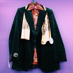 Velvet jacket and seventies shirt #mensfashion #seventies #style #mensstyle #vintage #vintagemens #vintageclothes #holloway #islington #london #dapper