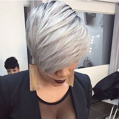 Love this grey cut by @hairbylatise ✂️ Sexy and chic #atlhairstylist #greyhair #voiceofhair ========================== Go to VoiceOfHair.com ========================= Find hairstyles and hair tips! =========================