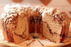 Shutterbean's-Sour-Cream-Coffee-Cake-on-Channeling-Contessa-1