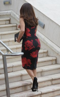 Salma Hayek booty at Tale of Tales photocall in Cannes
