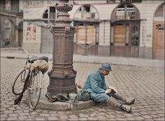 French WW1 Soldier. In 1909 French millionaire Albert Kahn embarked on an ambitious project to create a colour photographic record of the peoples of the world. Kahn used the new autochrome process, the world's first user-friendly, true-colour photographic system as the medium for his still photography. Kahn send photographers to more than fifty countries around the world and they took the earliest known colour photographs in countries such as Vietnam, Brazil, Norway, Japan and Mongolia.